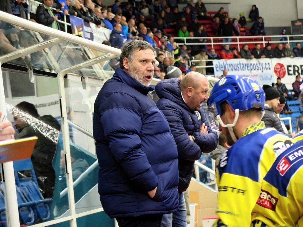 Hokejisté HC Zubr Přerov (ve žlutém) na ledě AZ Residomo Havířov