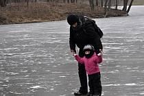 Bruslení na zamrzlé Laguně v Přerově