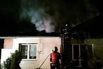 Požár střechy rodinného domu v Kojetíně
