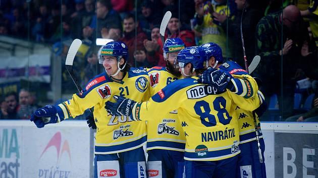 Hokejisté Přerova (ve žlutém). Ilustrační foto