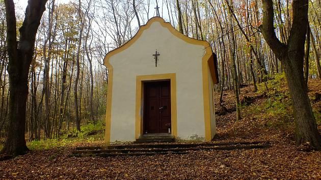 Kaplička u Svaté studánky ve Staré Vsi na Přerovsku.