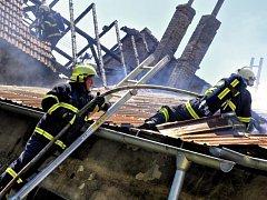 Požár rodinného domu a hospodářského objektu v Radslavicích