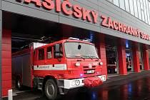 Stěhování hasičské techniky ze staré do nové hasičské stanice v Přerově