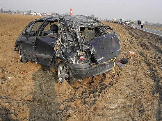 Opilý šofér havaroval na silnici mezi Henčlovem a Troubkami