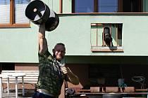 Strongman Jiří Tkadlčík se vrátil domů do Přerova.