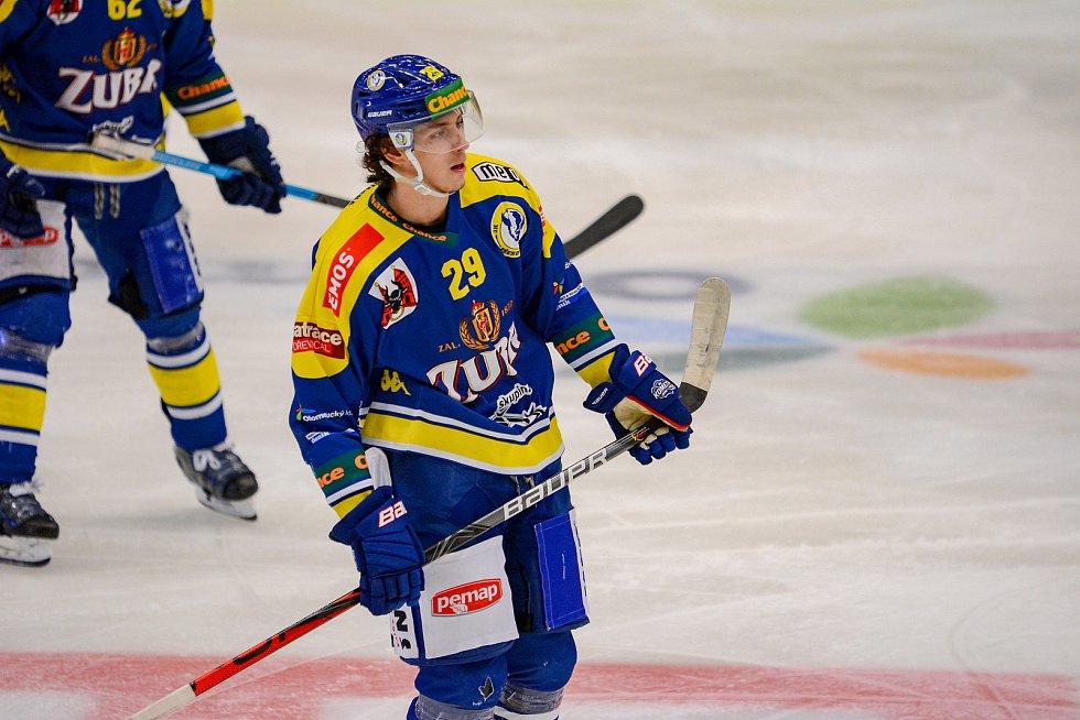 Hokejisté Přerova (v modrém) proti Kladnu. Karel Plášek