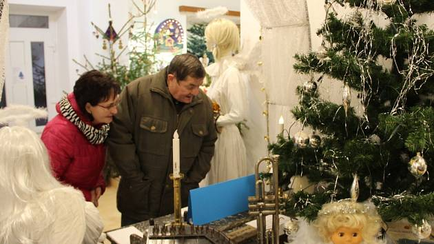 Andělé zdobí Muzeum Záhoří ve Veselíčku, otevřeno je každý adventní víkend
