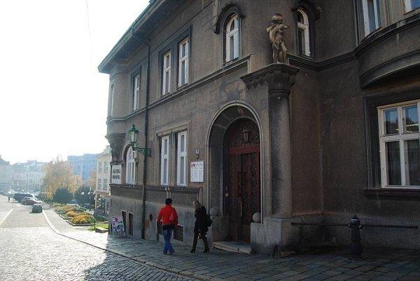 Přerovská knihovna na Žerotínově náměstí