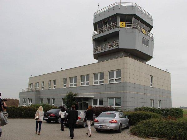 Letiště vBochoři