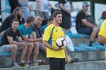 Fotbalisté Kozlovic (ve žlutém) v přípravném utkání s Otrokovicemi.