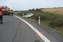 Při nehodě se zranil šestaosmdesátiletý řidič i jeho spolujezdkyně