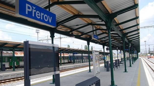 Oprava třetího nástupiště na vlakovém nádraží v Přerově - těsně před dokončením