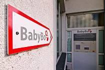 Přerovští porodníci našli v pondělí ráno v babyboxu zdravou holčičku. Dali jí jméno Ilonka.