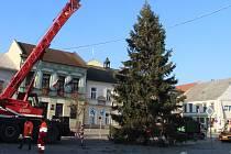 17.11. 2018. Instalace vánočního stromu v Přerově