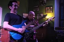 Americký kytarista Neil Zaza otevřel svým vystoupením festival Blues nad Bečvou
