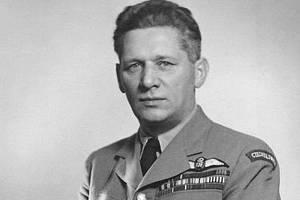 Karel Janoušek