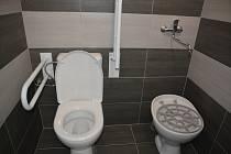 Nové toalety na Městském hřbitově v Přerově při slavnostním otevření v červnu 2018