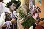 Úspěšně dopadla premiéra barokní opery Endymio, která se konala v sobotu 7. listopadu v Lipníku nad Bečvou. Zcela zaplněný sál Základní umělecké školy A. Dvořáka na závěr tleskal všem účinkujícím.