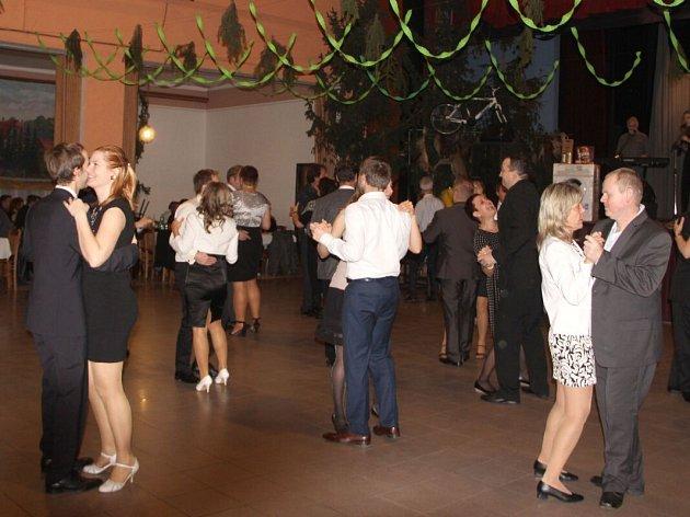 Myslivecký ples v Troubkách