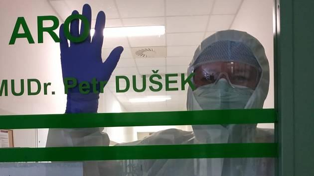 Zdravotníci specializovaného oddělení Covid ARO přerovské nemocnice.