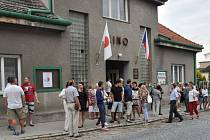 V červenci 2014 uspořádalo sdružení v dřevohostickém kině koncert japonského pěvce – a bylo plno