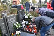 Dušičky v Přerově a bohoslužba u místa posledního odpočinku obětí masakru na Švédských šancích