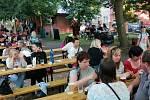 Do zámeckého areálu v Horní Moštěnici se po roční pauze vrátily tradiční Pivní slavnosti. Vyhlášenou akci, která se konala v sobotu, si nenechalo ujít několik stovek návštěvníků.