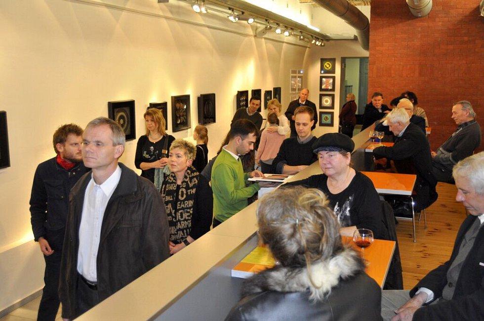 Vernisáž výstavy umělce a přerovského rodáka Milana Dobeše