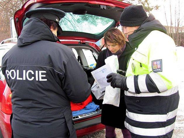 Policisté v Přerově kontrolovali povinnou výbavu