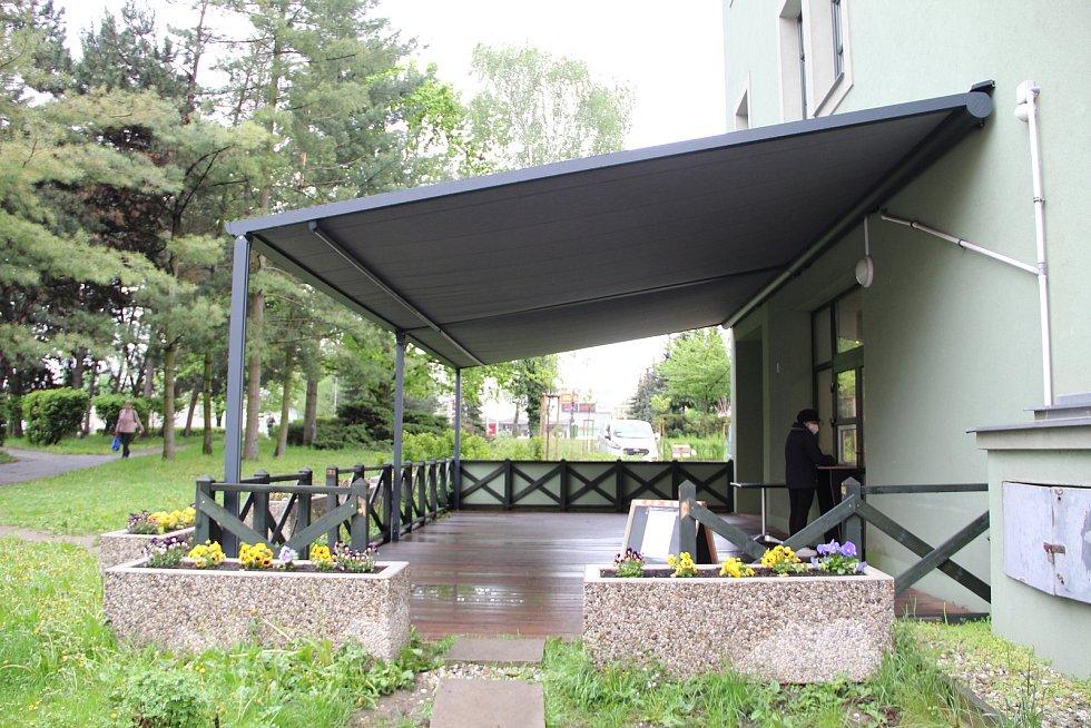 Provozovatelé přerovských restaurací a kaváren se chystají na otevření zahrádek. 14. května 2021