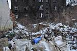 Leden 2015. Chátrající Škodova ulice v Přerově jako zázemí pro bezdomovce a obří smetiště