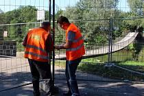 Lávka U Tenisu v Přerově se v pondělí 8. září 2014 uzavřela. Začne její demolice