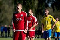 Fotbalisté TJ Sokol Ústí (v červeném)