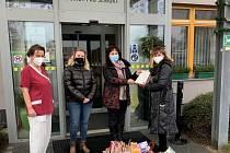 Studenti Obchodní akademie Přerov pomohli seniorům.