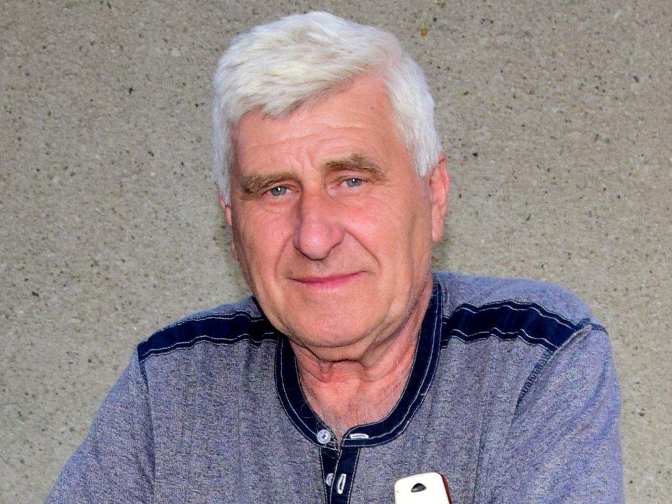 Při závodu 17. ročníku Okolo Mikroregionu Dolek Jiří Strnadel z Brodku u Přerova sice nevyhrál, ale pomohl své spoluzávodnici, která havarovala.