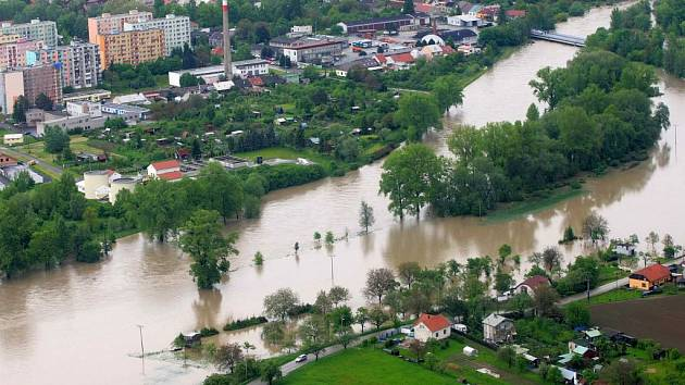 Rozlitá Bečva v Lipníku v květnu 2010
