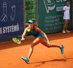 Finále dvouhry tenisového Zubr Cupu 2018 v Přerově. Gabriela Pantůčková (v růžovém) vs. Magdaléna Pantůčková 6:4, 6:0.