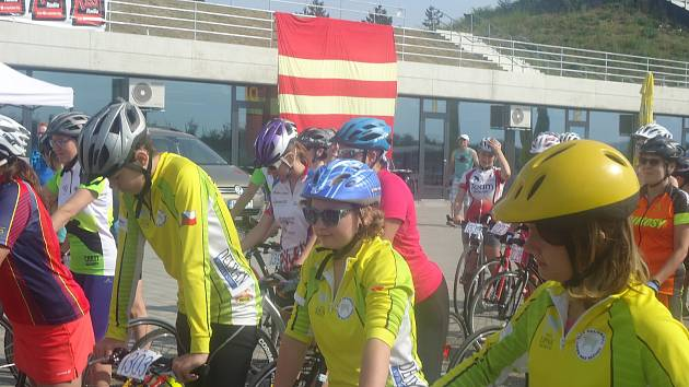 Závodníci 1. KK Lipník nad Bečvou brali medaile z 1. kola Evropského poháru v koloběhu v Račicích.