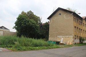Bourání domů ve Škodově ulici