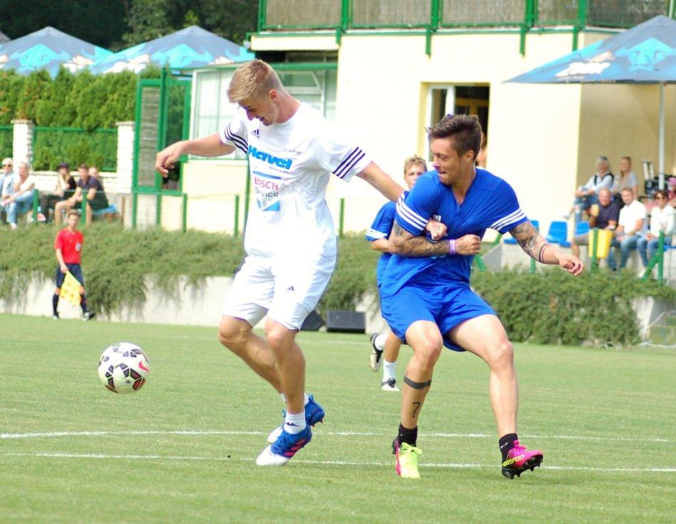 Exhibiční utkání hvězd v rámci benefice Sportovcům  na dětech záleží v Kozlovicích.