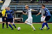 Fotbalisté Přerova (v modrém) v derby proti FC Želatovice (1:0).