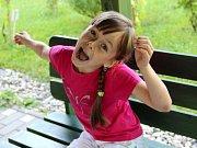 Devítiletá Terezka Švejdová ze Základní školy Trávník v Přerově si zahrála v několika filmech – Cesty domů, pohádce Duch nad zlato a seriálu Ordinace v růžové zahradě, kde ztvárnila roli nemocné dívky
