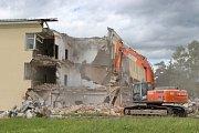 Bourání budov v areálu bývalých přerovských kasáren