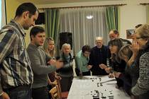 Archeologové i promítání dokumentu o Vesnici roku v Hradčanech