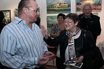 Díla dvou různých autorů stejného příjmení – Václava a Vladimíra Noskových mohou od konce minulého týdne spatřit návštěvníci Galerie města Přerova.