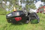 Opilá řidička se převrátila se svým automobilem na střechu.