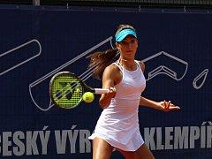 Tenisový Zubr Cup pokračoval semifinálovými zápasy singlu a finále deblu. Magdaléna Pantůčková