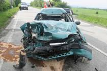 U střetu nákladního auta s osobním zasahovala v pondělí 24. května ve Staměřicích letecká záchranka.