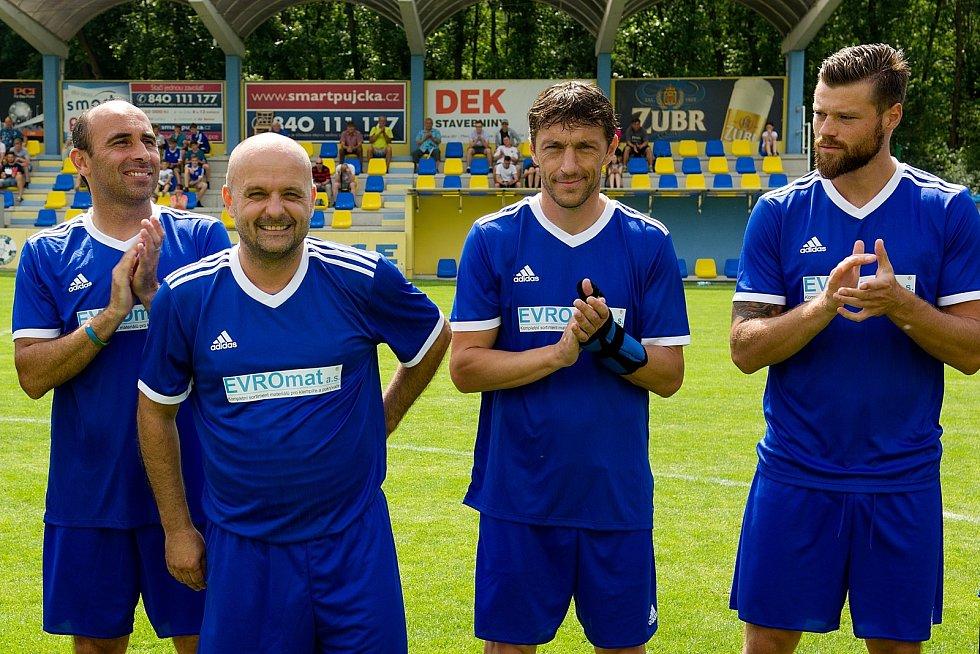 Druhý ročník benefiční akce Sportovcům na dětech záleží v Kozlovicích u Přerova. Tomáš Vajda (druhý zleva)