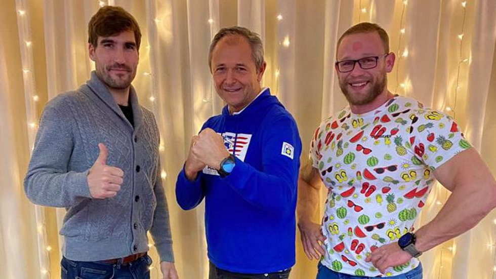 Olympijský vítěz z roku 2012 David Svoboda, globální stratég Jan Mühlfeit a strongman Jiří Tkadlčík.